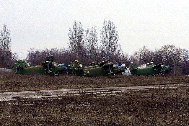 Зона отчуждения: Мертвый военный городок и кладбище самолетов под Днепропетровском (ФОТО) (фото) - фото 30