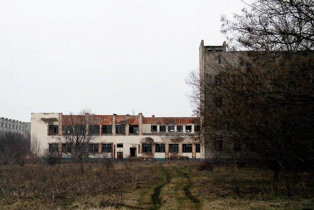 Зона отчуждения: Мертвый военный городок и кладбище самолетов под Днепропетровском (ФОТО) (фото) - фото 8