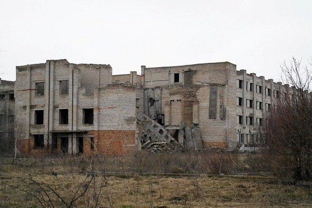 Зона отчуждения: Мертвый военный городок и кладбище самолетов под Днепропетровском (ФОТО) (фото) - фото 22