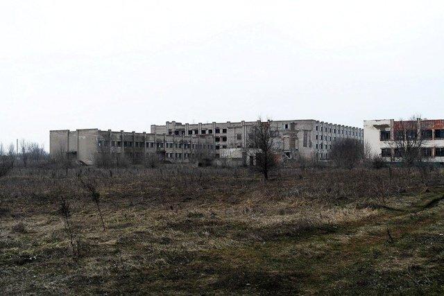Зона отчуждения: Мертвый военный городок и кладбище самолетов под Днепропетровском (ФОТО) (фото) - фото 7