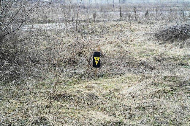 Зона отчуждения: Мертвый военный городок и кладбище самолетов под Днепропетровском (ФОТО) (фото) - фото 23