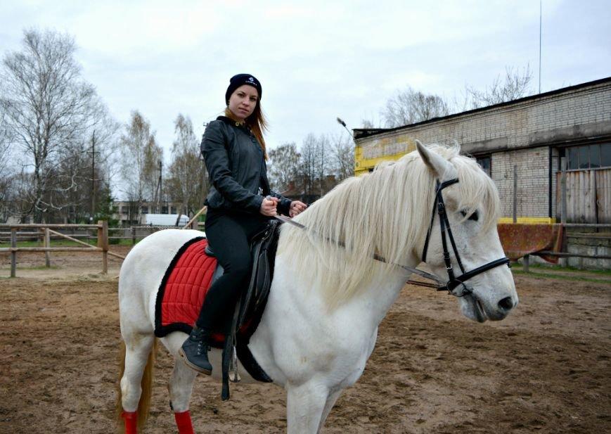 «Это уже не работа. Отношение изменилось, когда я увидел радость детей»: как в Полоцке обучают верховой езде на лошадях, фото-3