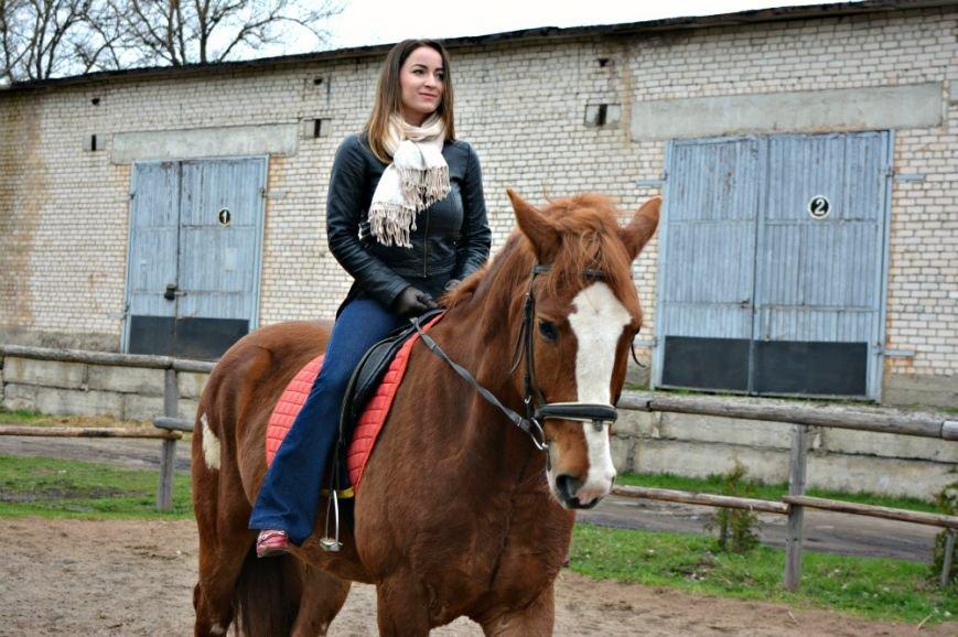 «Это уже не работа. Отношение изменилось, когда я увидел радость детей»: как в Полоцке обучают верховой езде на лошадях, фото-2