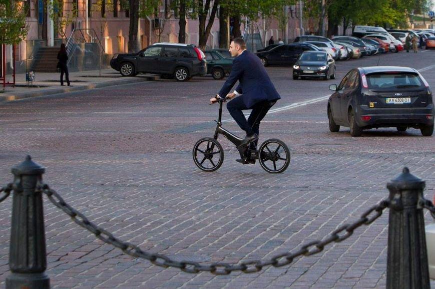 Кличко решил ездить на работу на велосипеде (ФОТО), фото-1