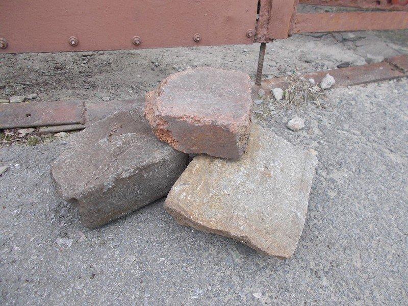 Ростовские коллекторы разбили и подожгли окна бывшей жене должника (фото) - фото 4