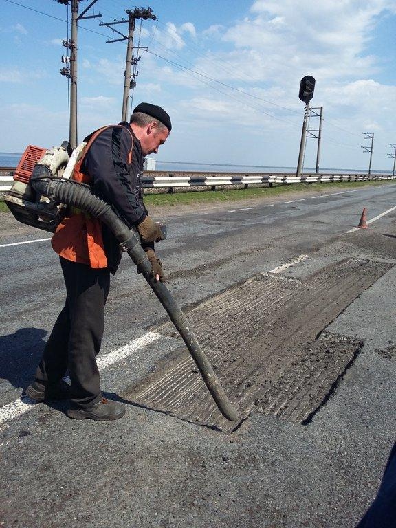 Ткаченко вимагає від керівників районів чіткого плану ремонту автошляхів (ФОТО), фото-1