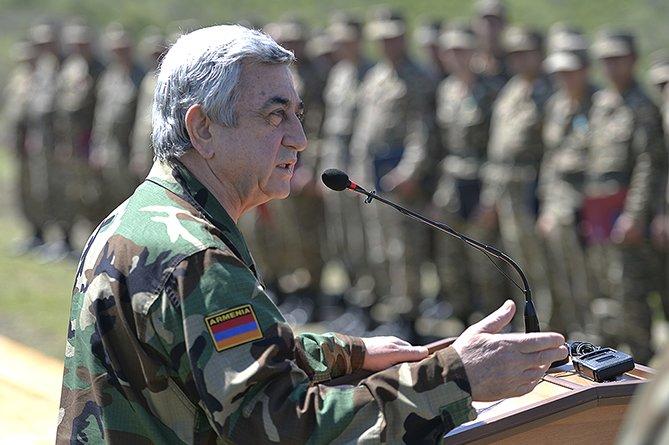 Президенты Армении и Нагорного Карабаха наградили военнослужащих за защиту государственной границы НКР (фото) - фото 1