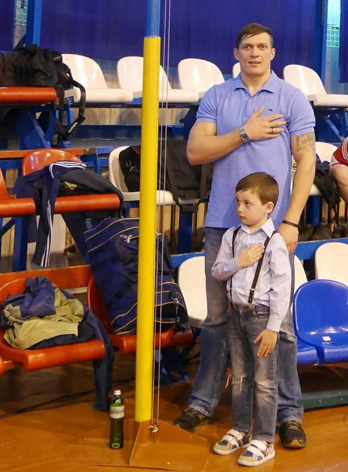Олександр Усик в Ужгороді відкривав Чемпіонат України з боксу: фото, фото-1