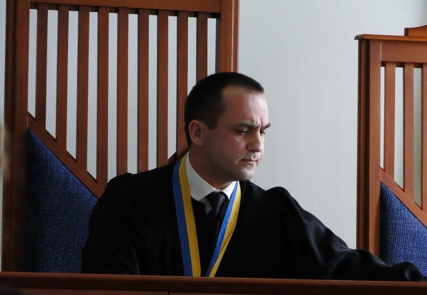 Після чергового перенесення засідання у бік судді пролунало «Ганьба!» (Фото) (фото) - фото 2