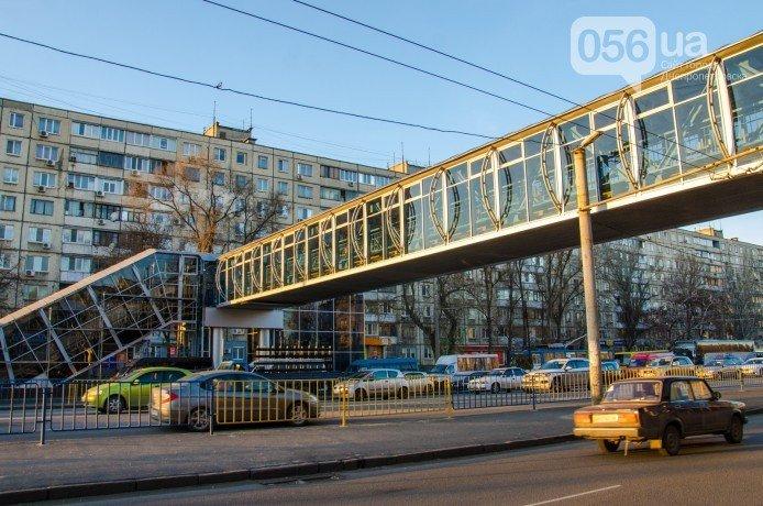 На Слобожанском проспекте запустили надземный переход (фото) - фото 1