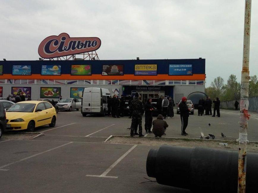На Здолбуновской произошла драка между застройщиком и активистами (ФОТО, ВИДЕО), фото-1