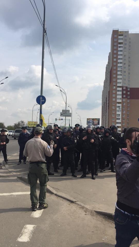 На Здолбуновской произошла драка между застройщиком и активистами (ФОТО, ВИДЕО), фото-4