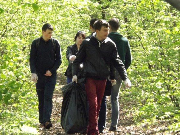 У Житомирі прибирали лісопарк за мостом, фото-2