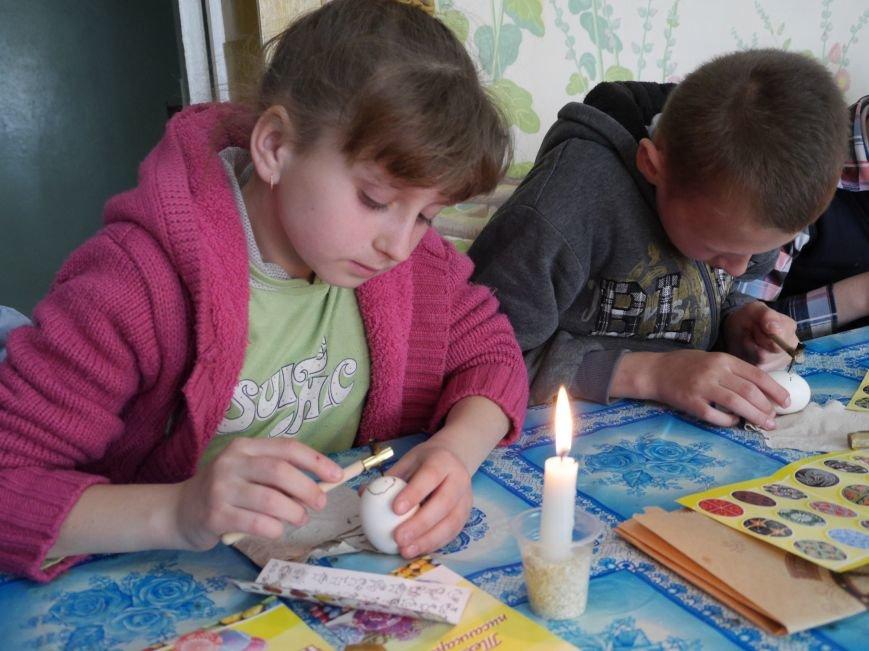 """""""МРІЯ Агрохолдинг"""" організовує для дітей майстер-класи із писанкарства (Фото) (фото) - фото 6"""