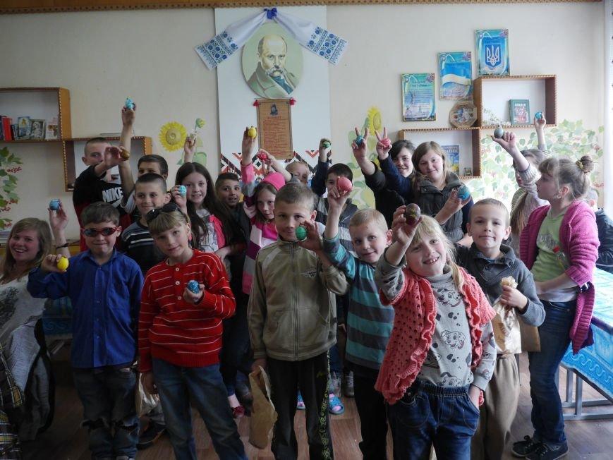 """""""МРІЯ Агрохолдинг"""" організовує для дітей майстер-класи із писанкарства (Фоторепортаж) (фото) - фото 11"""