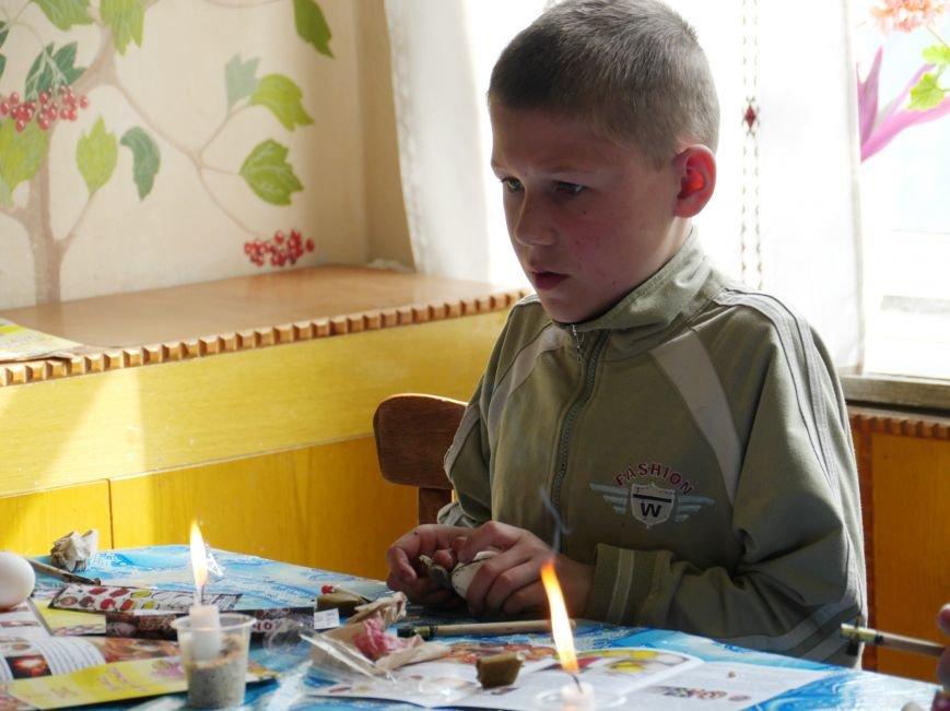 """""""МРІЯ Агрохолдинг"""" організовує для дітей майстер-класи із писанкарства (Фото) (фото) - фото 7"""