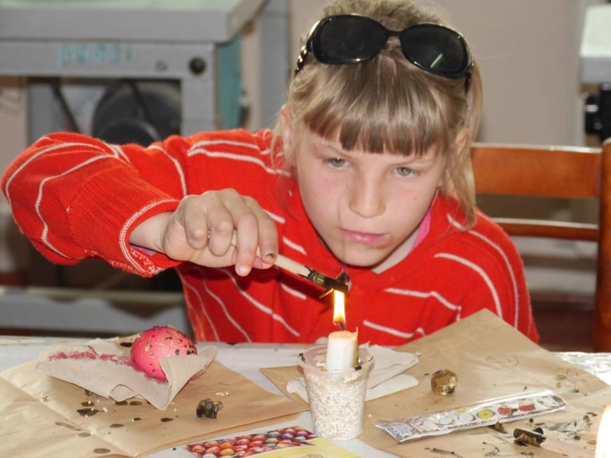 """""""МРІЯ Агрохолдинг"""" організовує для дітей майстер-класи із писанкарства (Фото) (фото) - фото 5"""