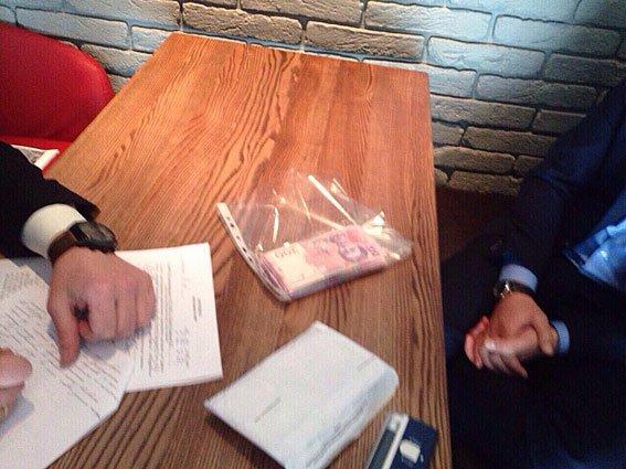 В Киеве на взятке попались сотрудники КП Святошинского района (ФОТО) (фото) - фото 2