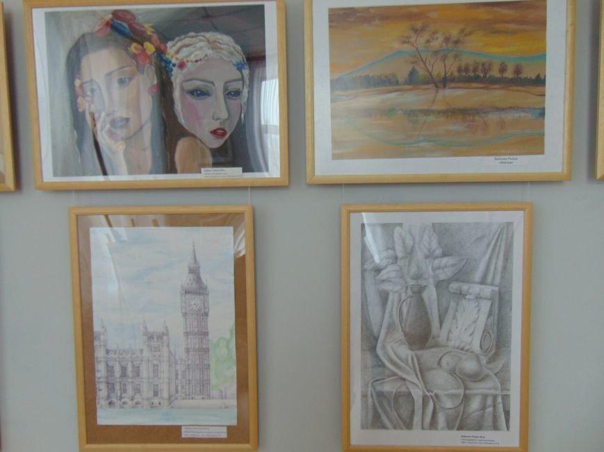 В Мариуполе юные художники продолжили традиции Куинджи (ФОТО) (фото) - фото 1