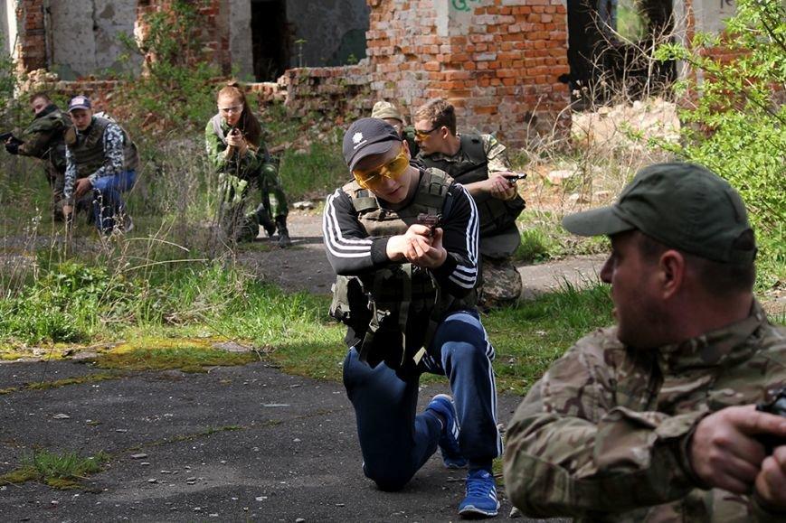 У збаразькій промзоні «захоплювали заручників» та «супроводжували місію ОБСЄ» (фоторепортаж), фото-4