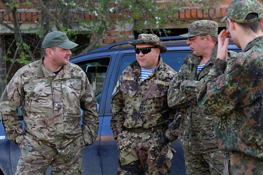 У збаразькій промзоні «захоплювали заручників» та «супроводжували місію ОБСЄ» (фоторепортаж), фото-1