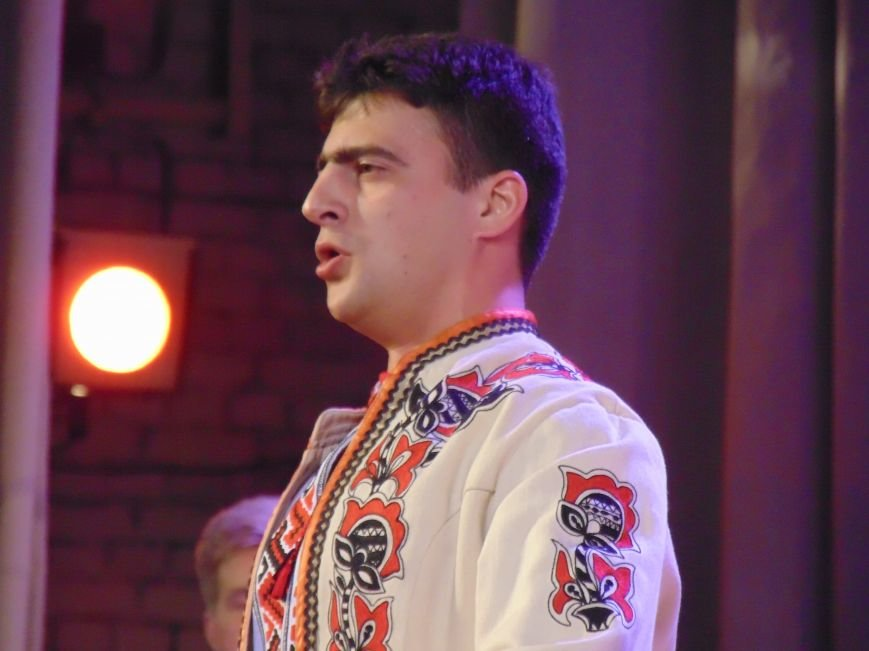 В Мариуполе зазвучали старинные украинские думы в сопровождении бандур и кобз (ФОТО+ВИДЕО) (фото) - фото 1