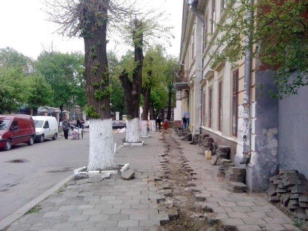 Незабаром на вулиці Старозамковій з'явиться паркувальна зона (ФОТО) (фото) - фото 1