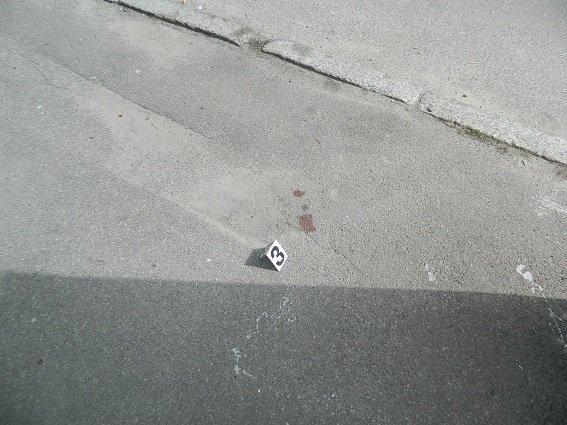В Киеве школьника ранили ножом в живот из-за девушки (ФОТО) (фото) - фото 2