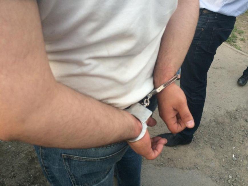 В Ростове задержали грабителей, напавших на отделение банка (фото) - фото 1