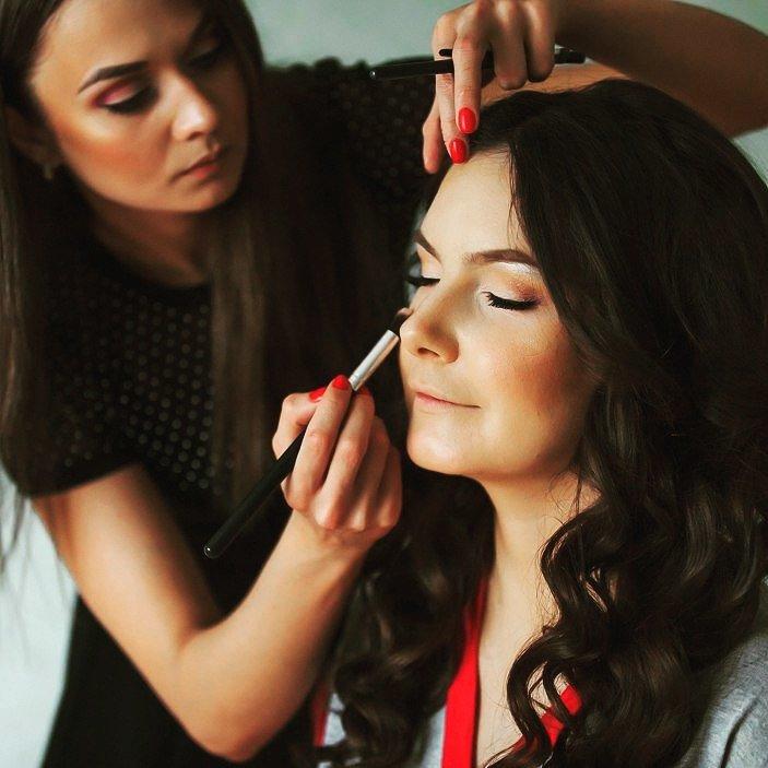 «В Новополоцке я бы не зарабатывала столько»: история стилиста-парикмахера, который уехал жить в Санкт-Петербург (фото) - фото 5