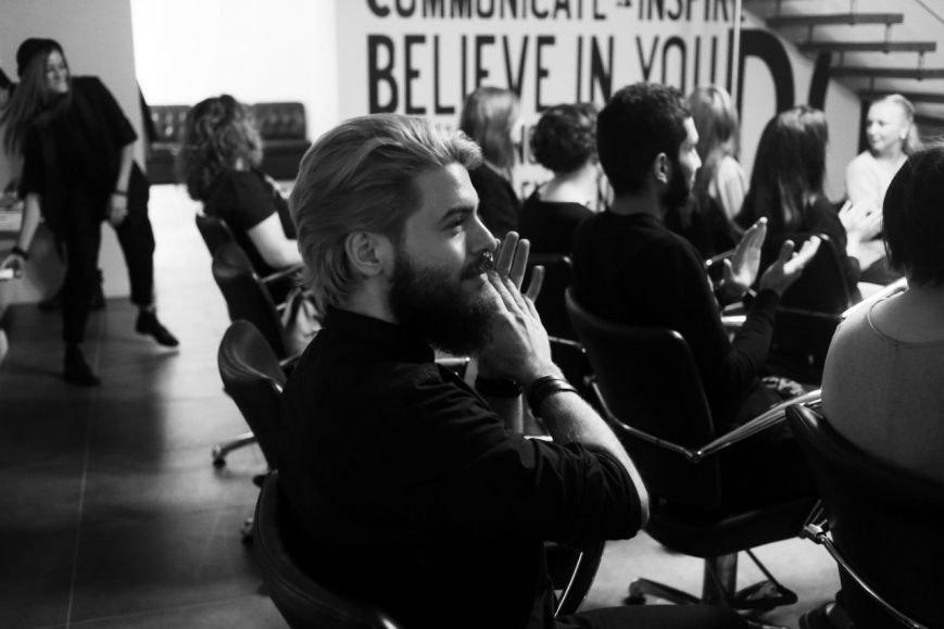 «В Новополоцке я бы не зарабатывала столько»: история стилиста-парикмахера, который уехал жить в Санкт-Петербург (фото) - фото 3