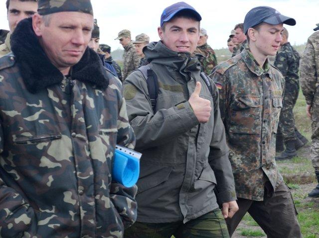 Школярів Рівненщини вчать стріляти на полігоні, фото-3