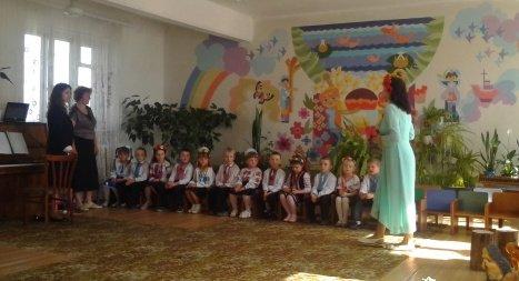 Музично-естетичний розвиток дошкільників шляхом формування у дітей виконавчих навичок, зокрема співочих (фото) - фото 1