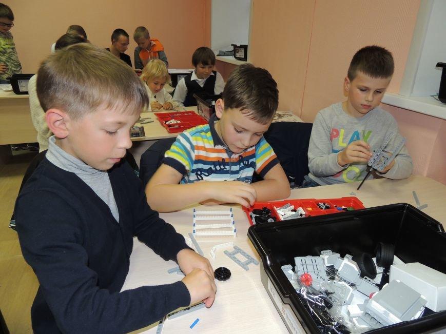4 мая в помещении школы №11 пройдут II Псковские соревнования роботов. Организаторы просят поддержки местных предпринимателей, с призовым фондом (фото) - фото 1