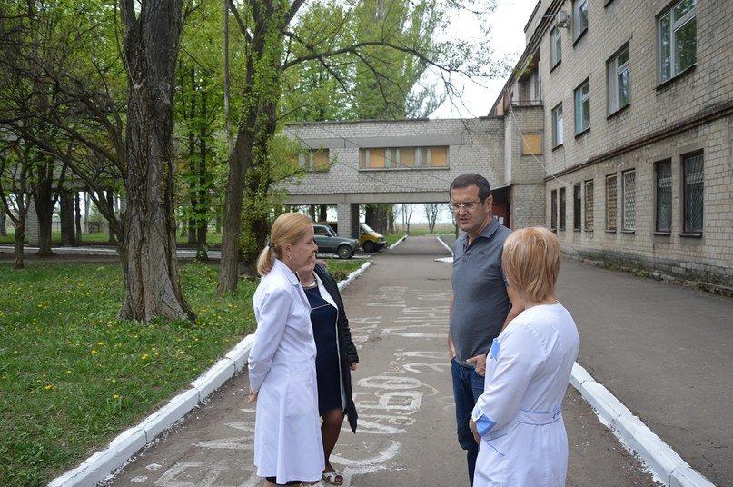 Муса Магомедов: «В фронтовой  Авдеевке продолжают рождаться дети!» (фото) - фото 1