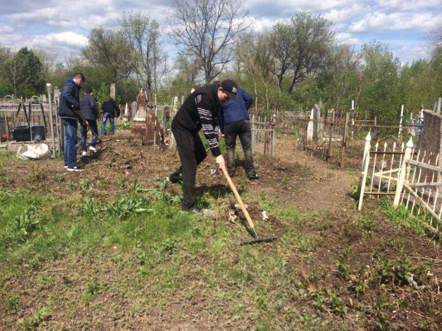 Студенты ПГТУ не знали, могилы кого они убирали на Центральном закрытом кладбище (ФОТО, ВИДЕО), фото-7