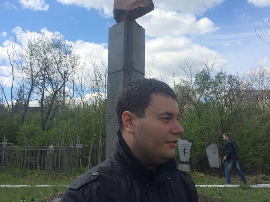 Студенты ПГТУ не знали, могилы кого они убирали на Центральном закрытом кладбище (ФОТО, ВИДЕО), фото-1