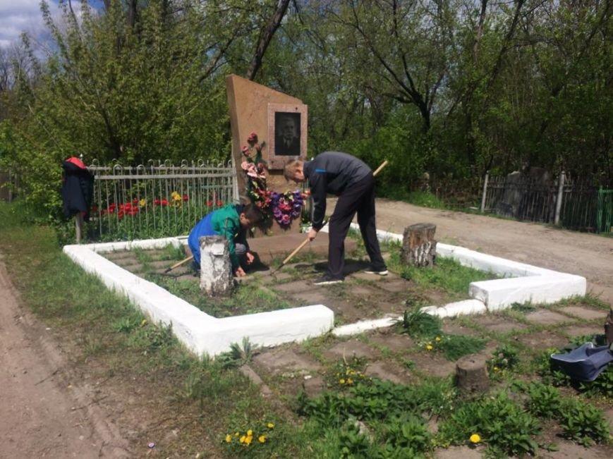 Студенты ПГТУ не знали, могилы кого они убирали на Центральном закрытом кладбище (ФОТО, ВИДЕО), фото-2