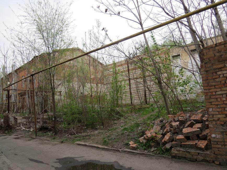 Кто зарабатывает на разрушающемся Мариупольском ликеро-водочном заводе (ФОТО+ВИДЕО), фото-1