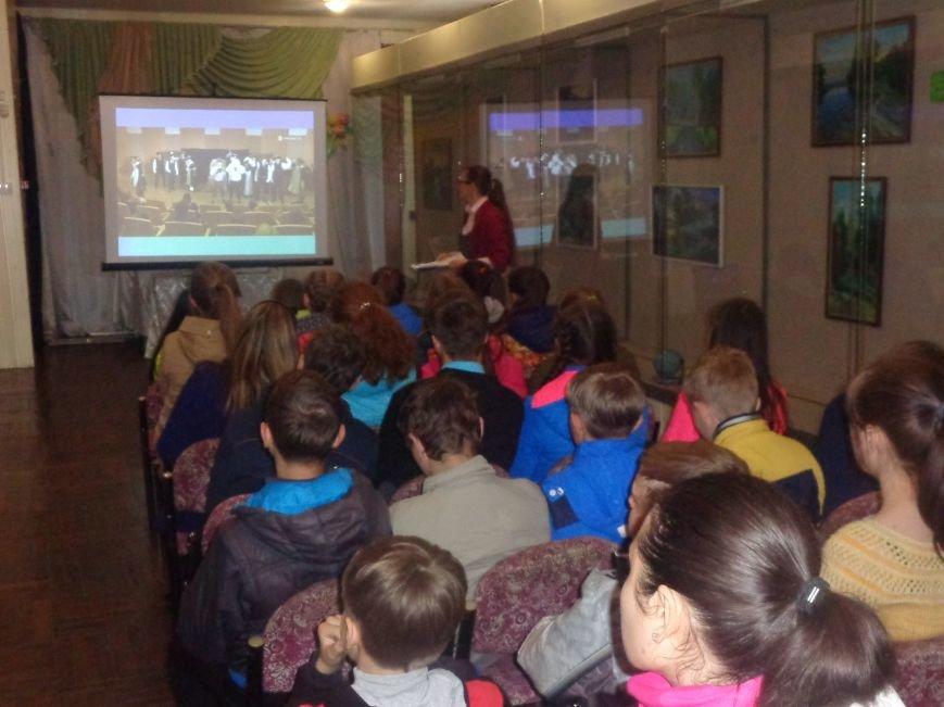 «Я должен снова видеть настоящие зимы и вёсны, вспыхивающие мгновенно…» - в Красноармейске (Покровске) состоялась экскурсия памяти, посвящённая Сергею Прокофьеву (фото) - фото 1