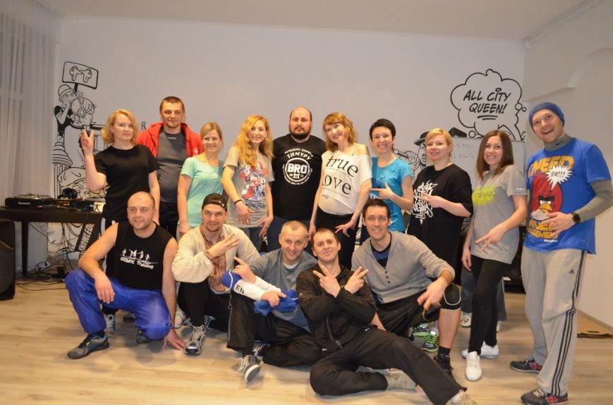 «Інопланетянськими» брейк-данс та хіп-хоп - полтавська академія танців ділиться досягненнями за перші півроку (фото) - фото 2