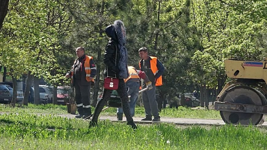 "В  Мариуполе начали активно ""латать"" дороги(Фотофакт), фото-6"
