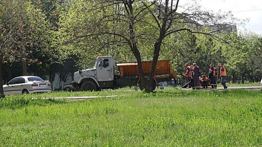 "В  Мариуполе начали активно ""латать"" дороги(Фотофакт), фото-3"