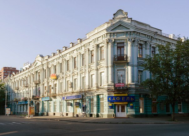 Самый большой екатеринославский особняк заняли нотариусы и магазины: дом разрушается на глазах (ФОТО, ВИДЕО) (фото) - фото 2