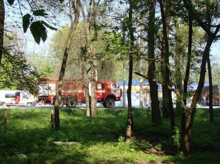 На Запорожском шоссе горит КамАЗ с прицепом (ФОТО) (фото) - фото 1