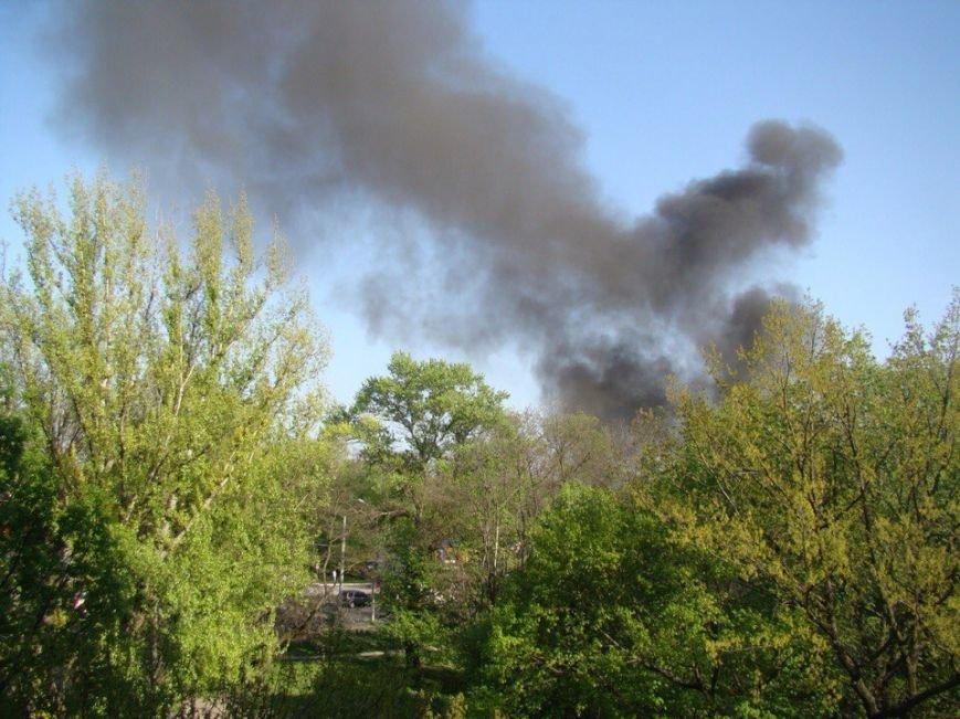 На Запорожском шоссе горит КамАЗ с прицепом (ФОТО) (фото) - фото 2