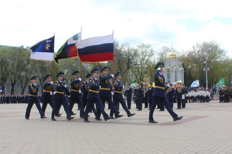Кадеты прошли парадом по главной площади Белгорода, фото-1