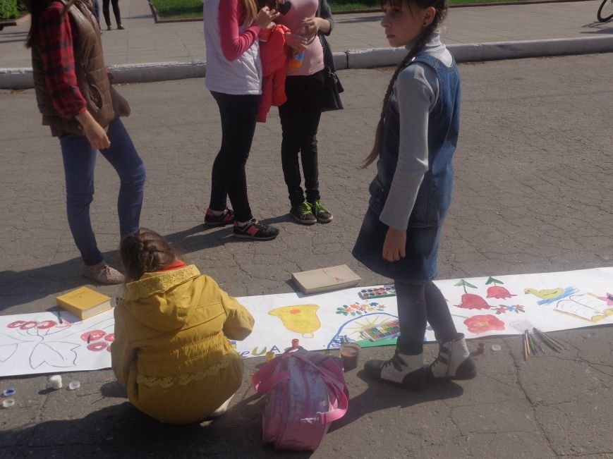 Студенты Красноармейска (Покровска) провели масштабную благотворительную акцию во имя спасения детской жизни (фото) - фото 15