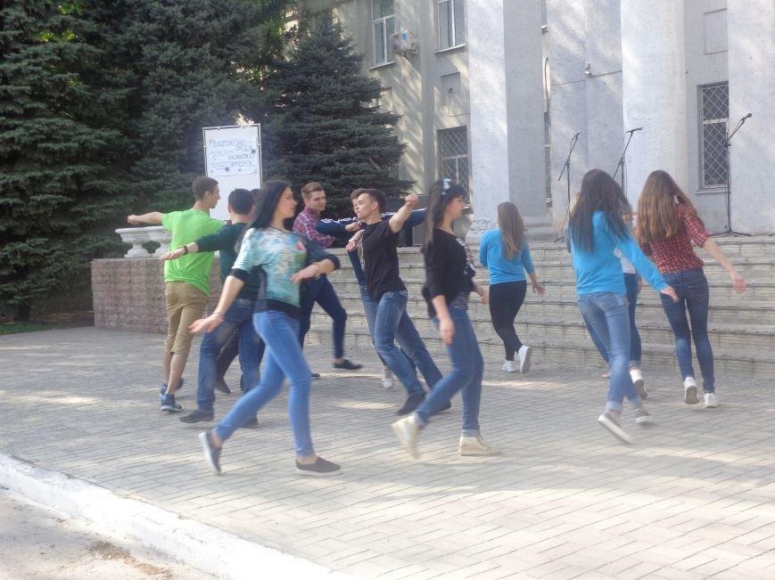Студенты Красноармейска (Покровска) провели масштабную благотворительную акцию во имя спасения детской жизни (фото) - фото 13