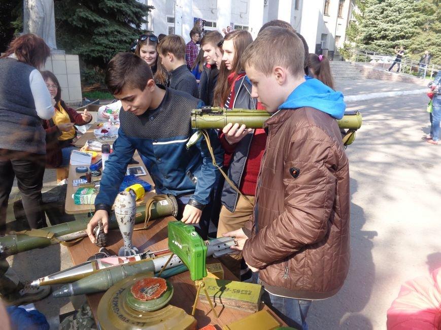 Студенты Красноармейска (Покровска) провели масштабную благотворительную акцию во имя спасения детской жизни (фото) - фото 18